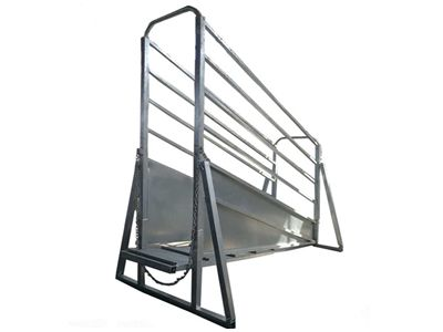 Adjustable Cattle Loading Ramp